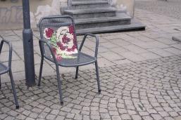 Der bestickte Stuhl 1